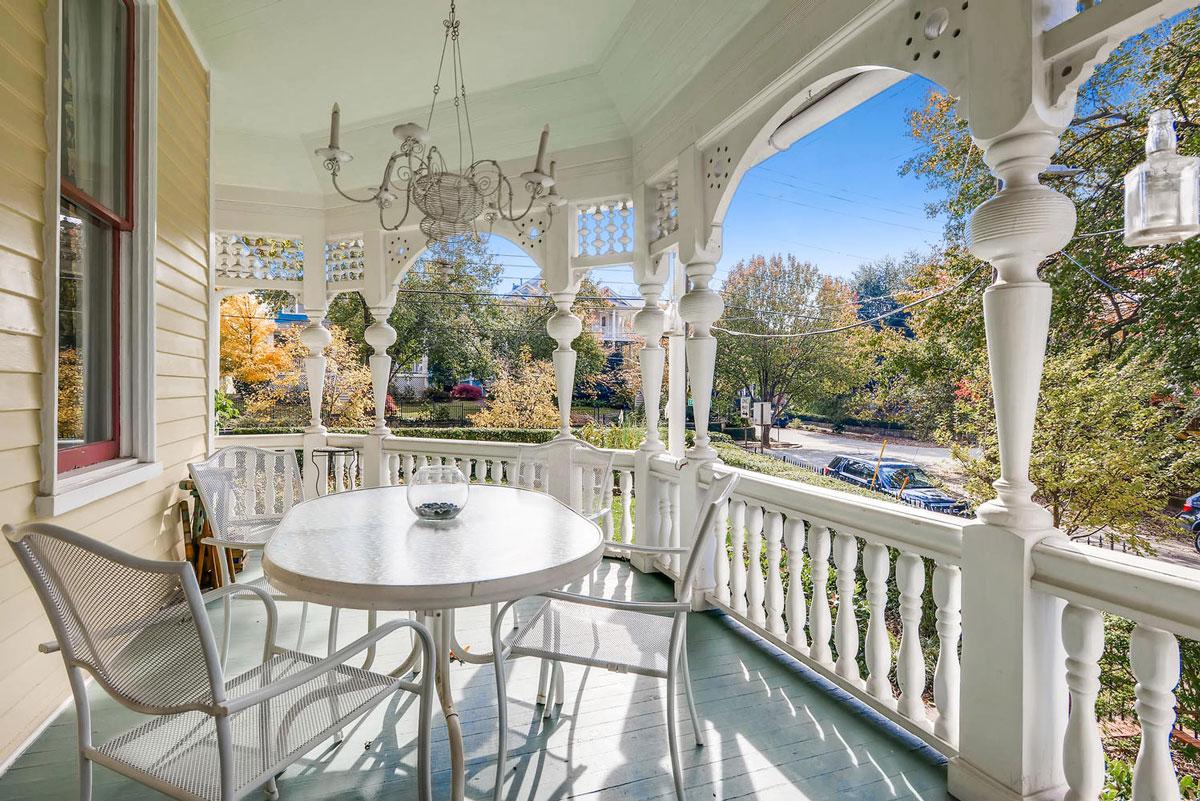 Front-porch-side-table at Sugar Magnolia BB, Atlanta, GA